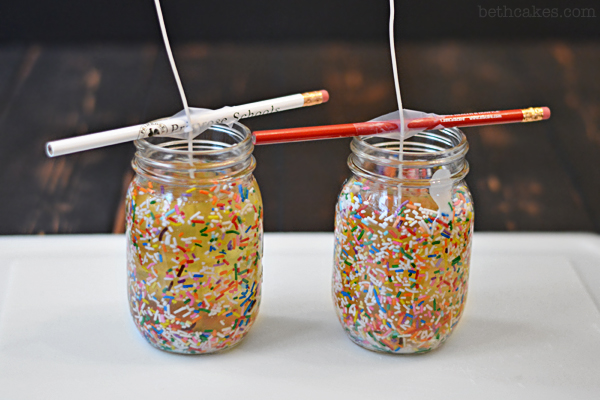 DIY Funfetti Candles - bethcakes.com
