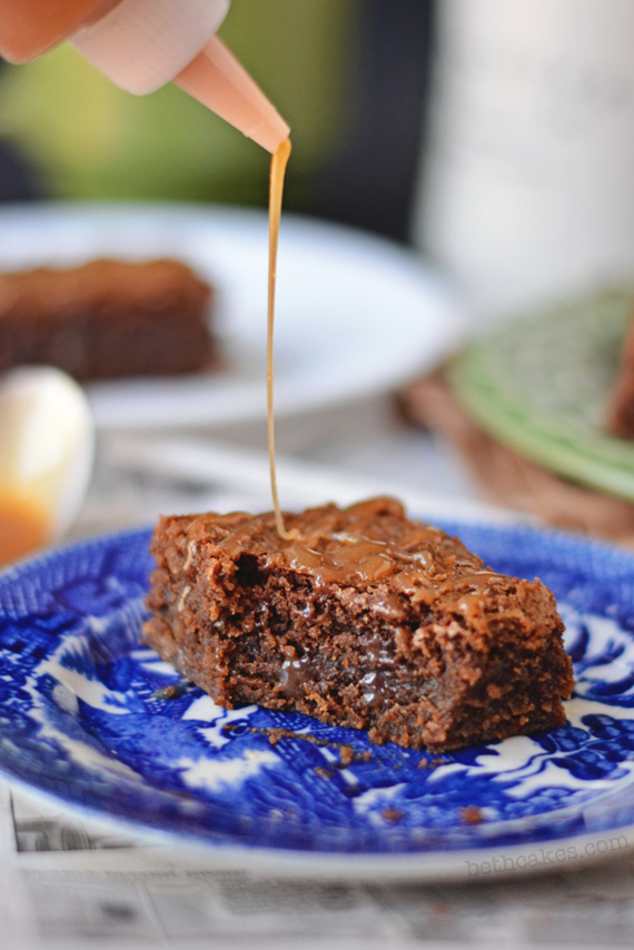 Brown Butter Whiskey Caramel Brownies - bethcakes.com