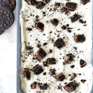 No-Churn Peanut Butter Cookies and Cream Ice Cream