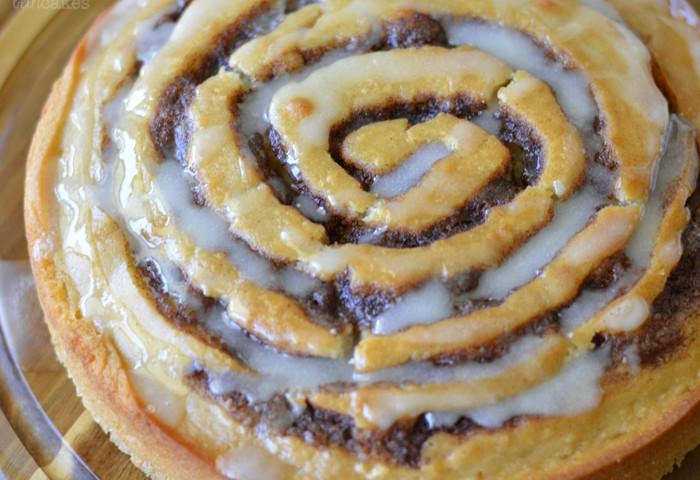 Apple Butter Cinnamon Roll Cake