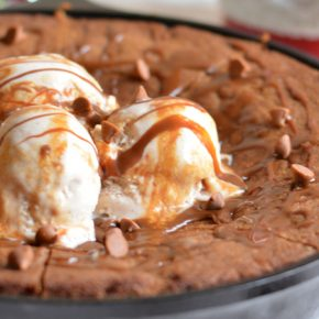 gingerbread-skillet-cookie-FEAT