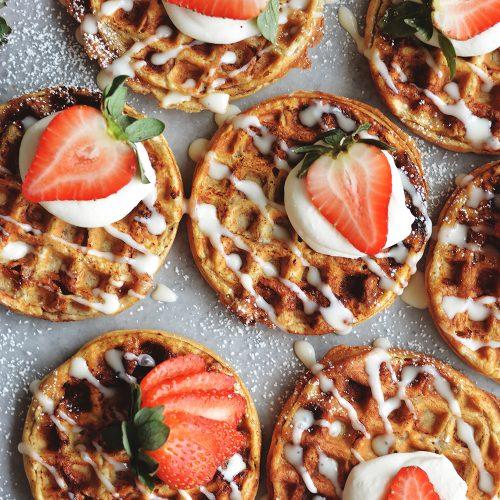Cinnamon Roll Waffles - bethcakes.com