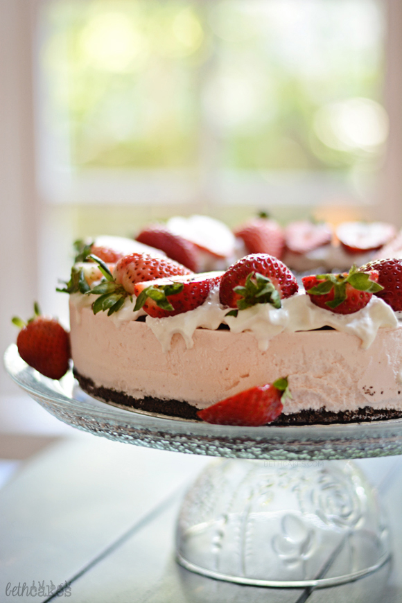 No-Bake Strawberry Cheesecake - pretty much the easiest and tastiest dessert there is! bethcakes.com