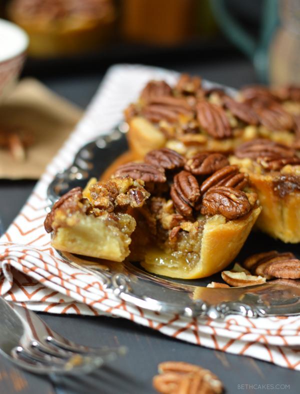Bourbon Pecan Pies - bethcakes.com