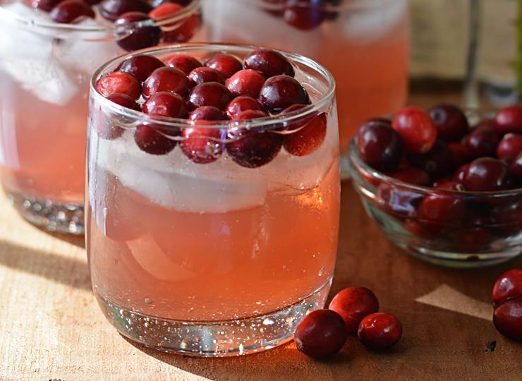 Bourbon Cranberry Lemonade Fizz