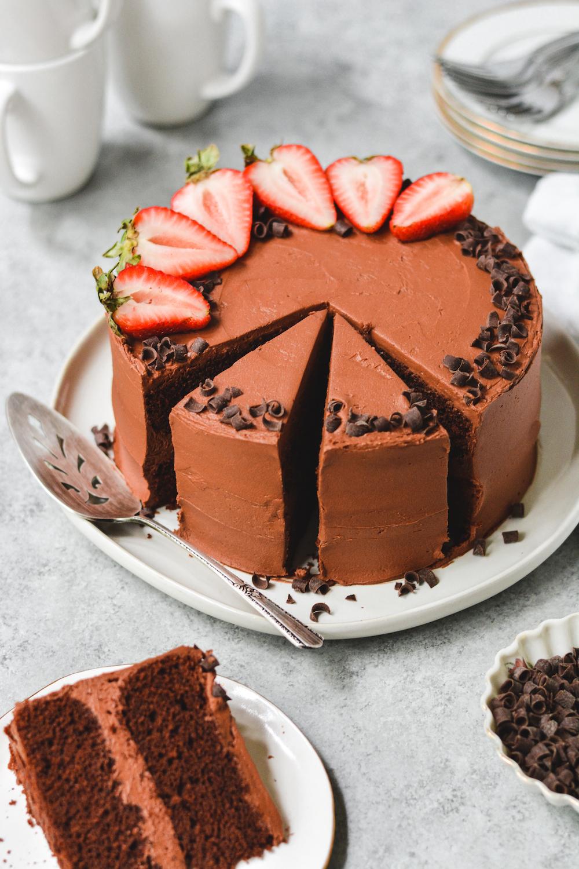 classic chocolate cake - bethcakes.com
