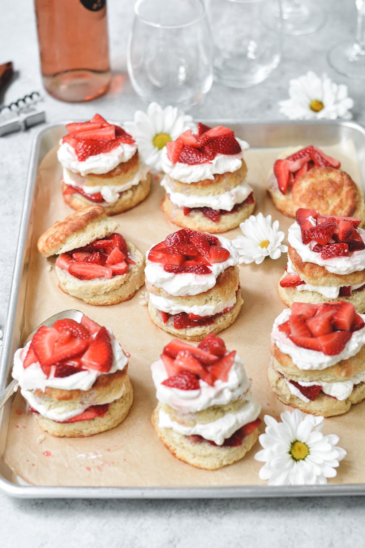 strawberry rosé shortcakes - bethcakes.com