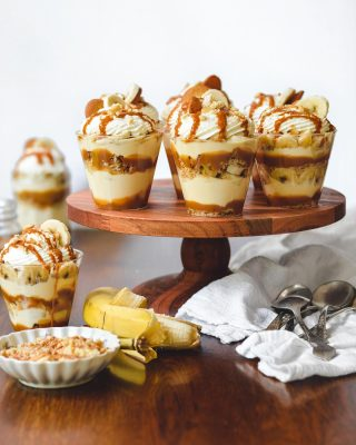 *passes u a dulce de leche banana pudding cup* hope y'all are having a relaxing sunday, friends!       https://bethcakes.com/dulce-de-leche-banana-pudding/