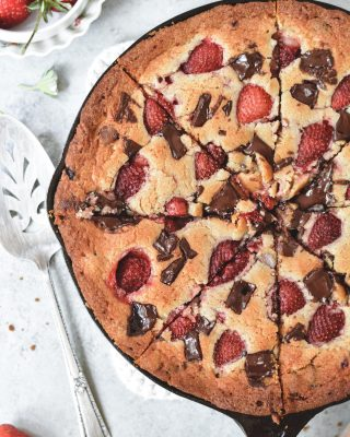 friday eve = skillet blondie 😍😍 with lots of melty chocolate. yes pls! 😋 grab the recipe at the link in my bio!         https://bethcakes.com/strawberry-chocolate-chunk-skillet-blondie/