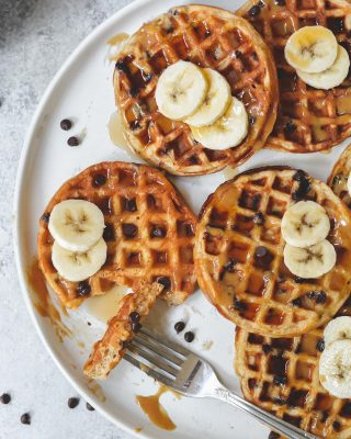 pb banana choc chip waffles to kick off your tuesday! i love the @bydash mini waffle makers (not sponsored i promise lol) because the waffles fit in a toaster. stash a batch of these in your freezer and enjoy them all throughout the week! 🙌🙌      https://bethcakes.com/peanut-butter-banana-chocolate-chip-waffles/