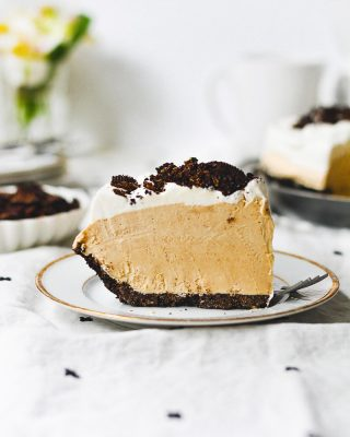 MILE HIGH PEANUT BUTTER PIE for your Labor Day weekend festivities!! it's a little mountain of peanut butter in a homemade pb oreo crust 🙌 plus, no baking required. you and your weekend deserve a slice or two! link in bio, y'all 💕       https://bethcakes.com/no-bake-peanut-butter-pie/