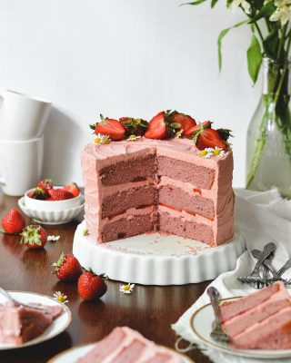 new on the blog today! this strawberry layer cake is inspired by my grandmother's recipe and is made with strawberries my mom & i picked at @deloachfarms!! the cake is flavored with a homemade strawberry compote and it's covered in the DREAMIEST strawberry frosting 😍🍓 plus you can read more about deloach farms in the blog post! recipe link in bio, happy monday, y'all! ❤️        https://bethcakes.com/strawberry-layer-cake/