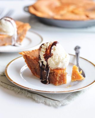 peanut butter lovers! this peanut butter chess pie is one of my all time favorite pies in the history of ever 😍 super gooey filling that goes perfectly with a scoop of ice cream. recipe is on the blog!         https://bethcakes.com/peanut-butter-chess-pie/
