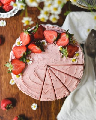 strawbs & the best ever strawberry frosting for your monday! there's strawb cake under there, but this frosting would also be *chef's kiss* incredible on a chocolate or lemon cake as well. or like anything with berries. or funfetti! lime?? coconut? a spoon? lots of options here, friends. link in bio! 💓           https://bethcakes.com/strawberry-layer-cake/